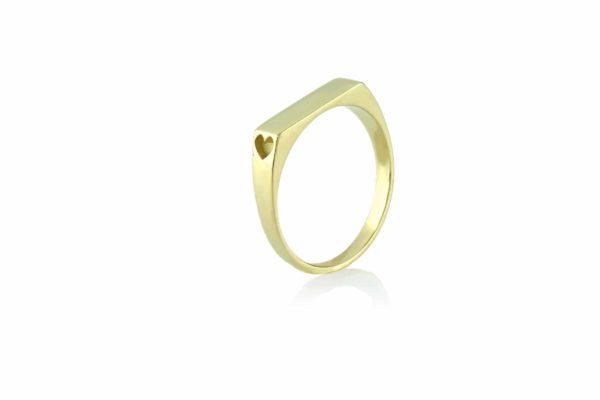 טבעת שם עם לבבות