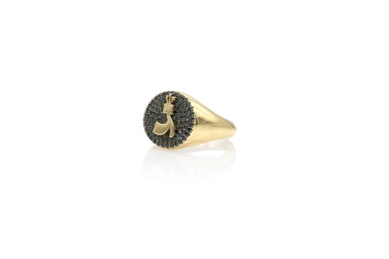 טבעת חותם משובצת יהלומים