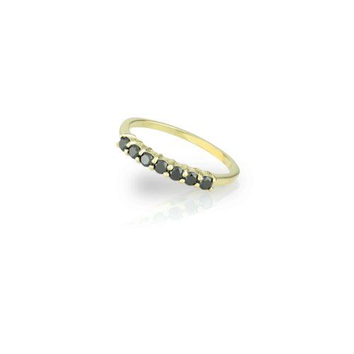 טבעת 7 יהלומים שחורים