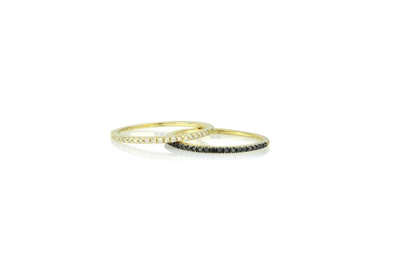 טבעת עגולה משובצת יהלומים לבנים