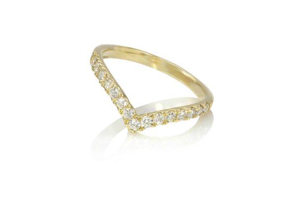 טבעת V לזרת
