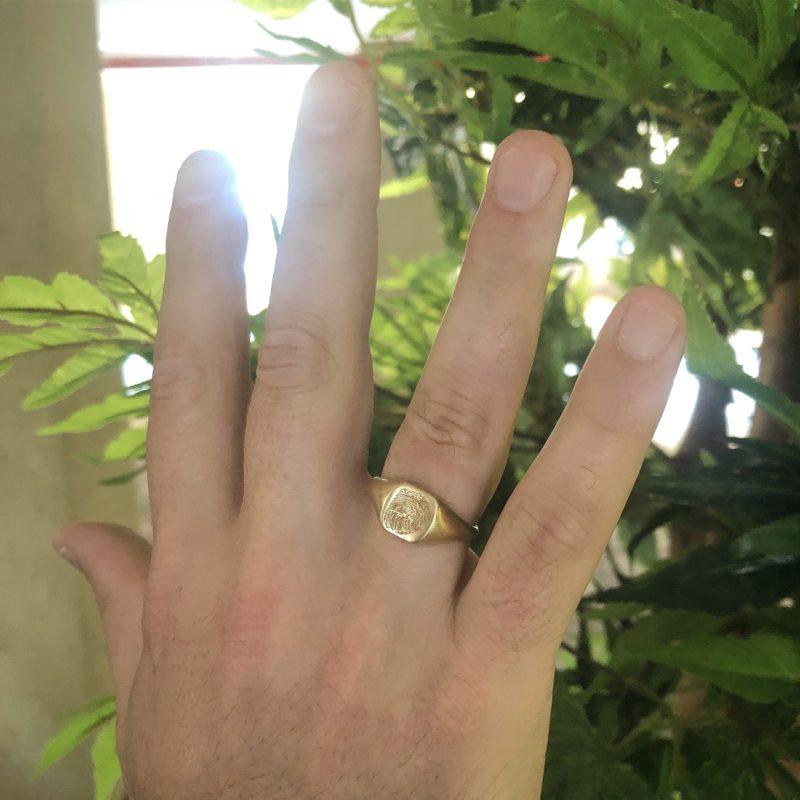 טבעת חותם עם חריטת טביעת אצבע