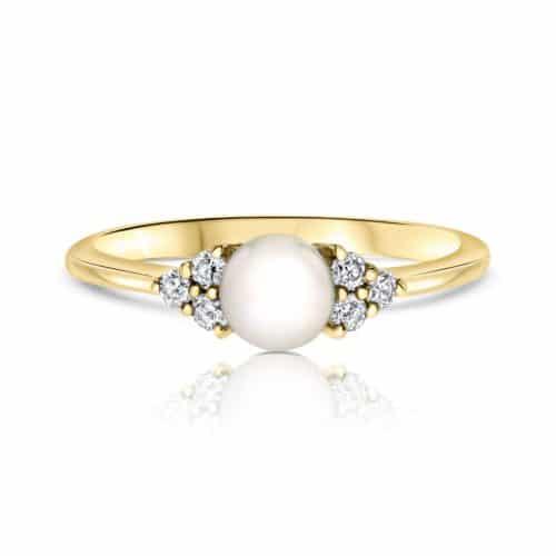 טבעת פנינה טבעית משובצת יהלומים לבנים