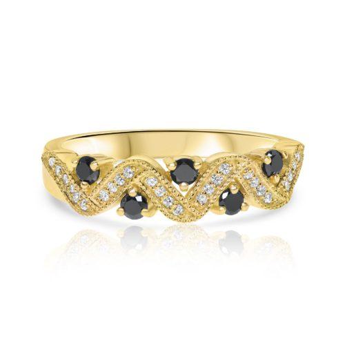 טבעת וינטאג׳ משובצת יהלומים לבנים ושחורים